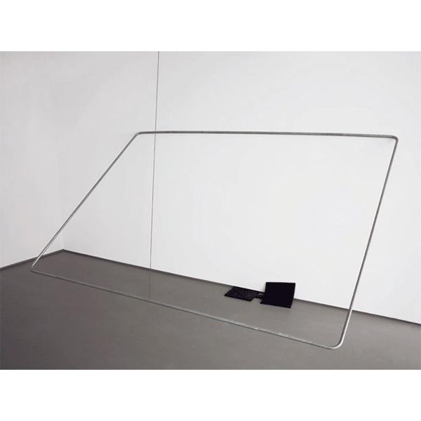 MONIKA BRANDMEIER<br/>Lift, 2007, Polyurethanguss, verzinktes Rohr, Drahtseil, Raumhöhe x 360 x 184 cm