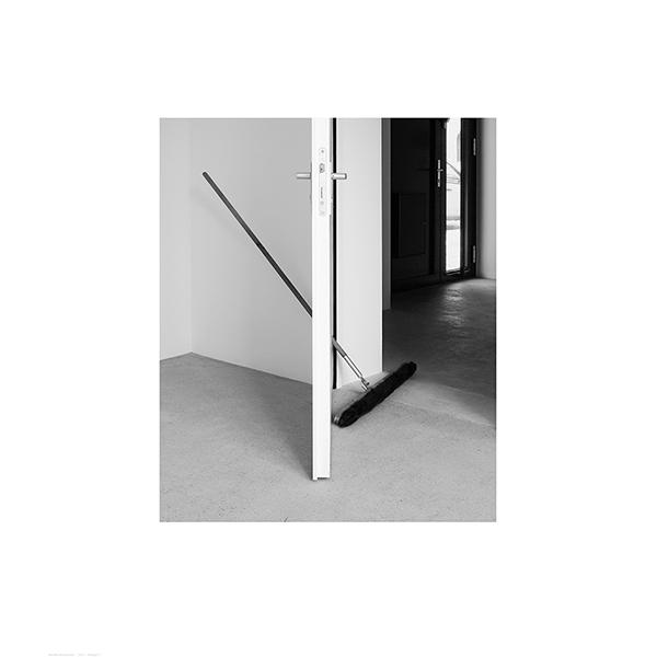 MONIKA BRANDMEIER<br/>Tuer + Besen, 2014, baryte print, 39 x 33,5 cm, ed. 7+1