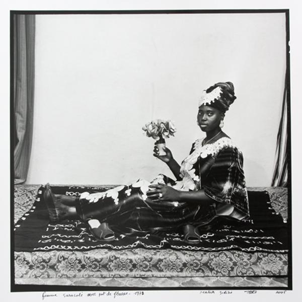 MALICK SIDIBÉ<br/>Posing with my flowers, 1978/2006, silver gelantine print on baryte paper, 123 x 123 cm