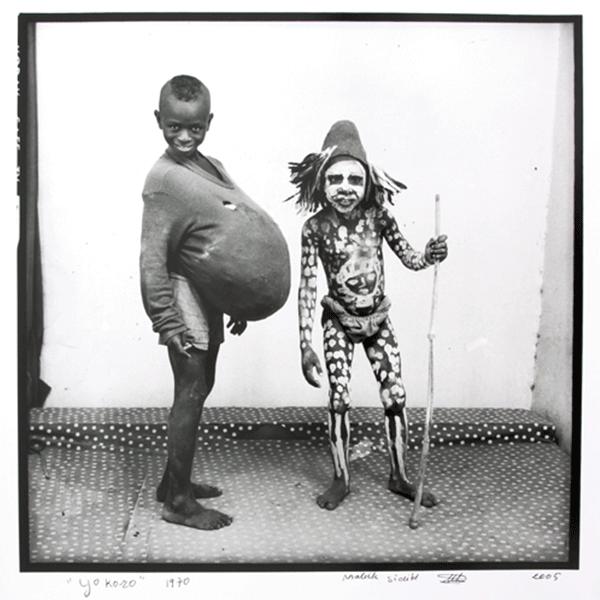 MALICK SIDIBÉ<br/>Yokoro, 1970/2006, silver gelantine print, 60 x 60 cm