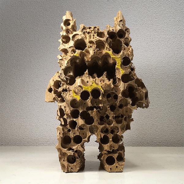 HIROSUKE YABE<br/>Untitled (co102), 2018, wood carving, cashew paint, unique, 36 x 23,5 x 20,5 cm