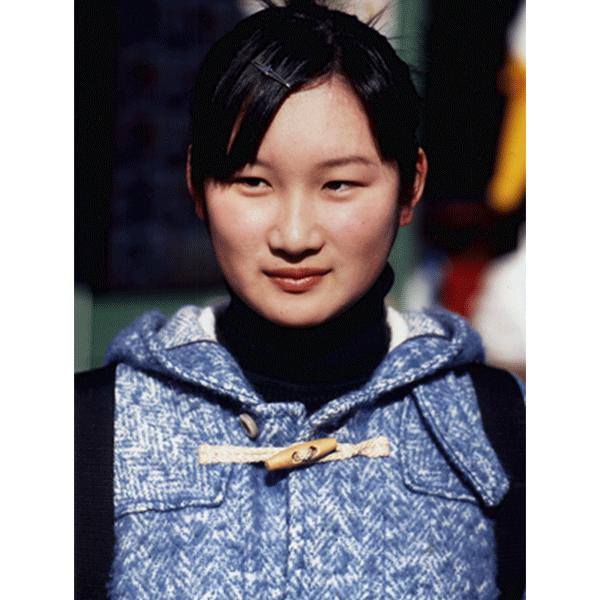 BEAT STREULI<br/> Aoyama Dori Portraits, 1999, c-print, 172 x 123 cm, ed. 3